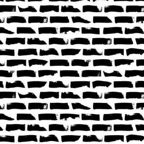 black white big dotted stroke horizontal