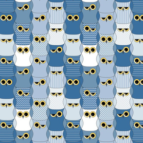 Interlocking blue owls (light)