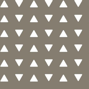 Triangles // brown (rustic woods)