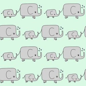 Elephants // green elephant savannah animal