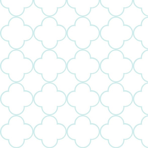 quatrefoil 2 Medium -  white sea