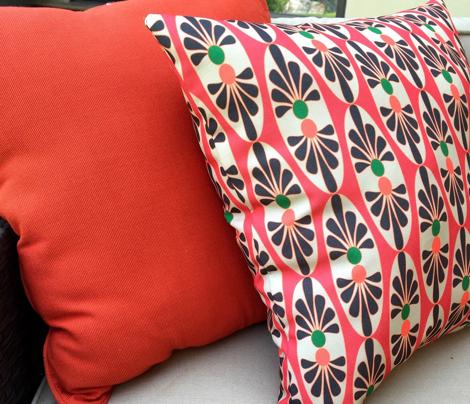 Floral Oval Black Tan_Miss Chiff Designs