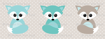 Baby foxes in mint