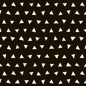 black and white triangles // tri triangles black and white nursery baby kids simple