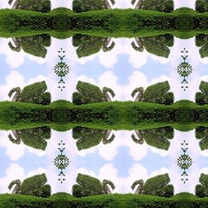 swan_hedge_at_Ladew