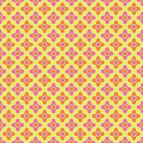 Retro Quatrefoil - Bright