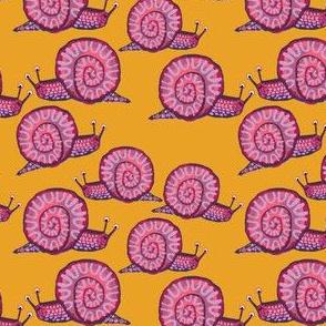 Snail [Squatty Purple] in honey