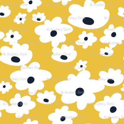 Sweet daisies in mustard yellow - TINY