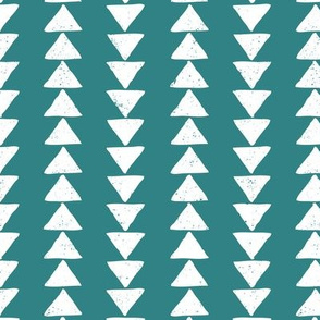 drawn triangle row - teal