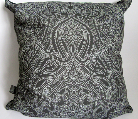 Paisley-Power-paisley-lace-mirror-outline-black-white-print-fabric-design