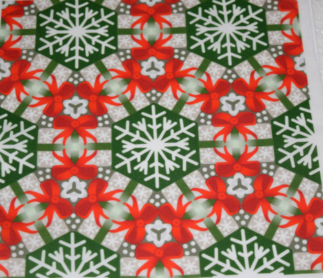 Rchristmas_package_wreaths_red_gray_and_green_comment_698632_preview
