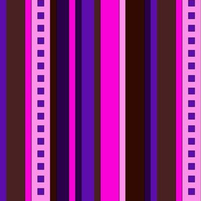 BN7 - Variegated Stripes in Pink - Purple - Burgundy - Maroon - Lengthwise