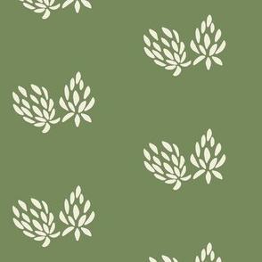 clover flower cream/olive