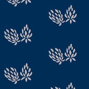 clover flower lavender/navy