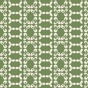 geometric clover leaf cream/olive