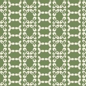 geometric clover leaf cream/olive