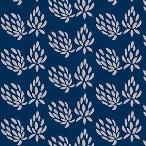 clover all over lavender/navy