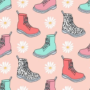 90s shoes // daisies nostalgia throwback vintage shoes boots