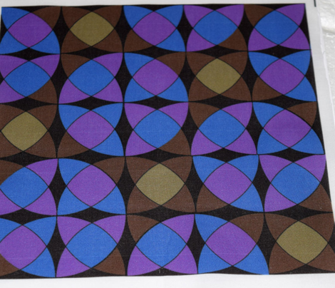 Interlocking Circle Wedges in Brown Blue and Violet