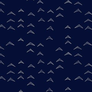 Arrow Scattered Navy and White