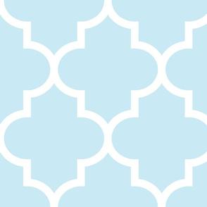 quatrefoil XL ice blue
