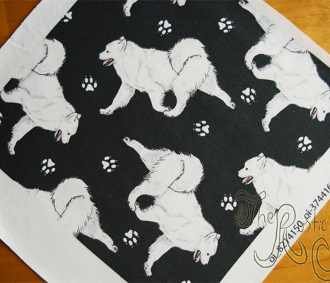 Trotting Samoyed and paw prints - black