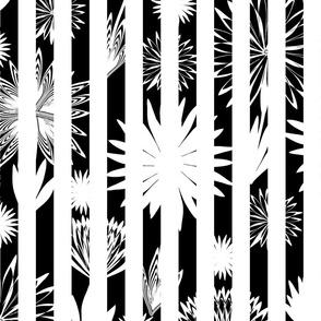 Jagged Stripes Flower 16 BW