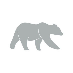 9 inch quilt block - bear on white