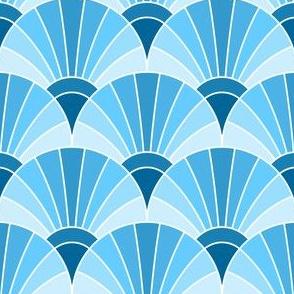 05868583 : fan scale : sky prussian blue