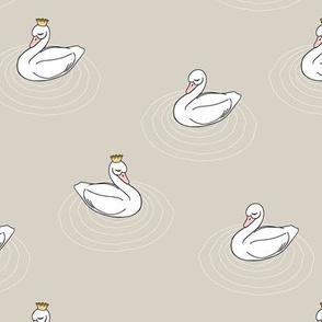 princess swan || beige