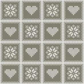 hearts_and_poinsettias_wht-tan