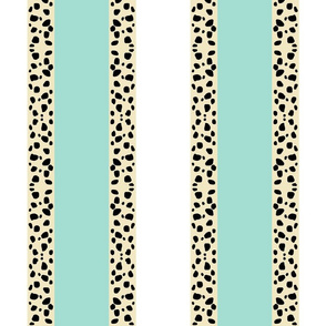 Cheetah Stripes VERTICAL  -  Mint Snow
