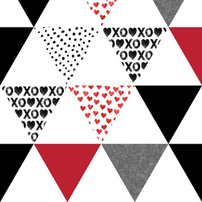 "xoxo triangle wholecloth (6"" triangles)"