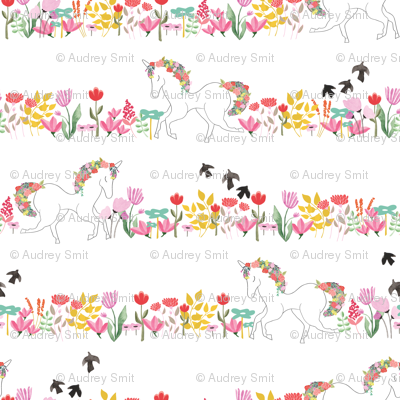 Unicorns and flowers in lines
