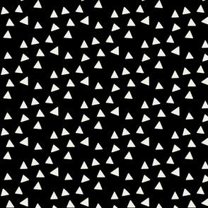 Triangles - Black & Linen