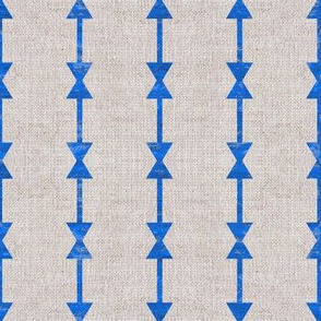 FRENCH_LINEN_NORTH_ARROW