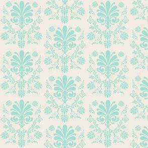Essence 525 - Cream Mint