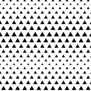 halftone triangles black