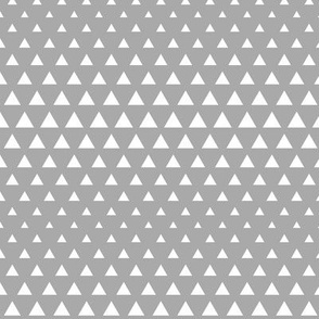 halftone triangles grey reversed