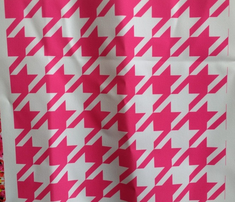 Rrfuchsia_white_houndstooth_500x500-01_comment_762697_thumb