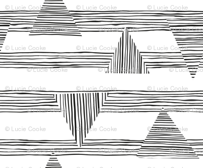 Painted_stripes_and_intersecting_triangles_black