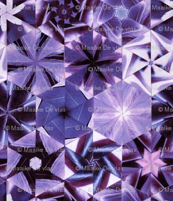 Feather hexagonal purple quilt