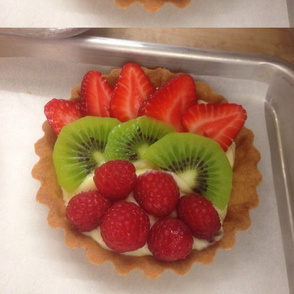 Single small fruit tart