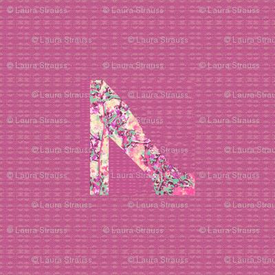 ecru shoe on rose