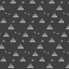 Triangles ombré black grey
