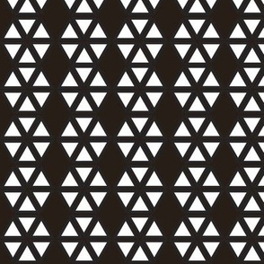 Black and White Triangulation