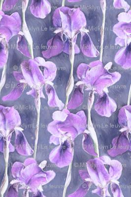 Simple Iris Pattern in Pastel Purple Small Print