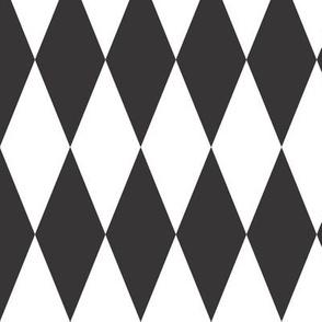 Circus_Diamonds_black_and_white