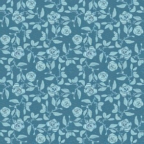 Old Fashioned Textured Meandering Roses in Sky Blue