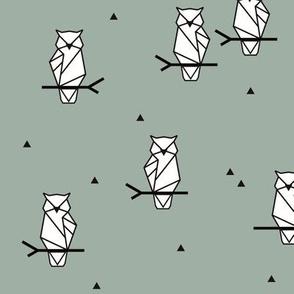 Geometric owls - dusty green autumn winter 17